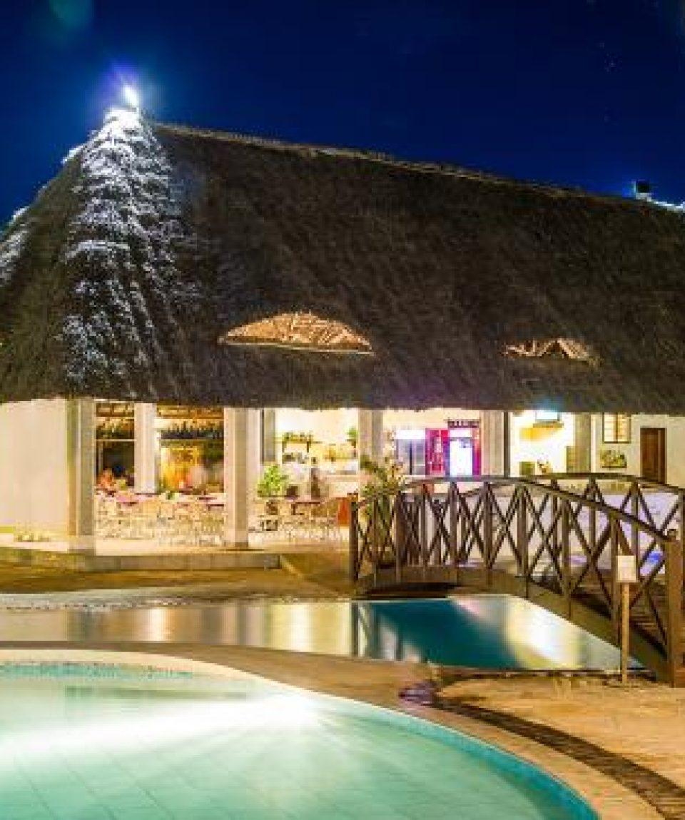 Uroa Bay Beach Resort 1